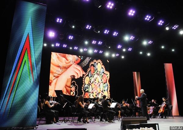 Baku_Music_Academy_Youth_Chamber_Orchestra_(12.04.14)