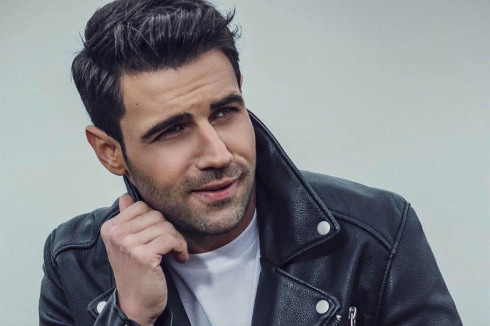 Πέτρος Ιακωβίδης  Το δεύτερο προσωπικό album του κυκλοφορεί σε όλα τα ψηφιακά καταστήματα!
